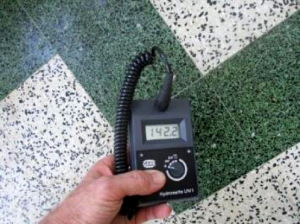 measure wet floor